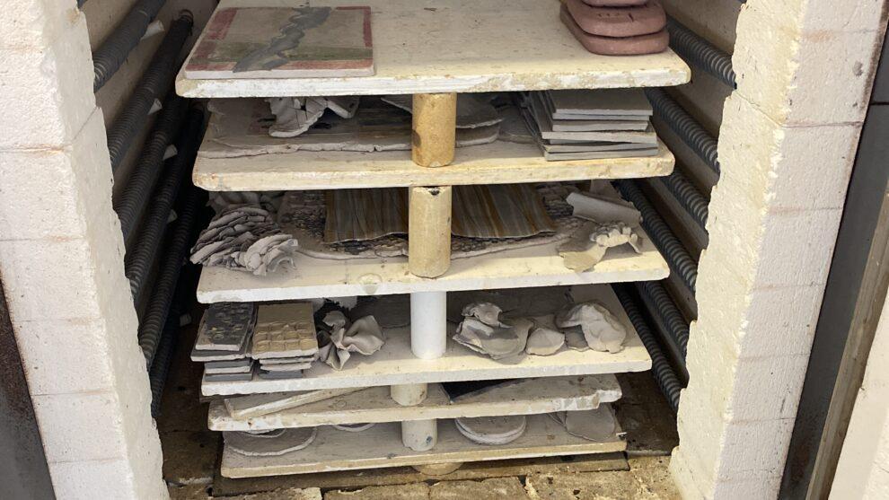 De keramische oven…